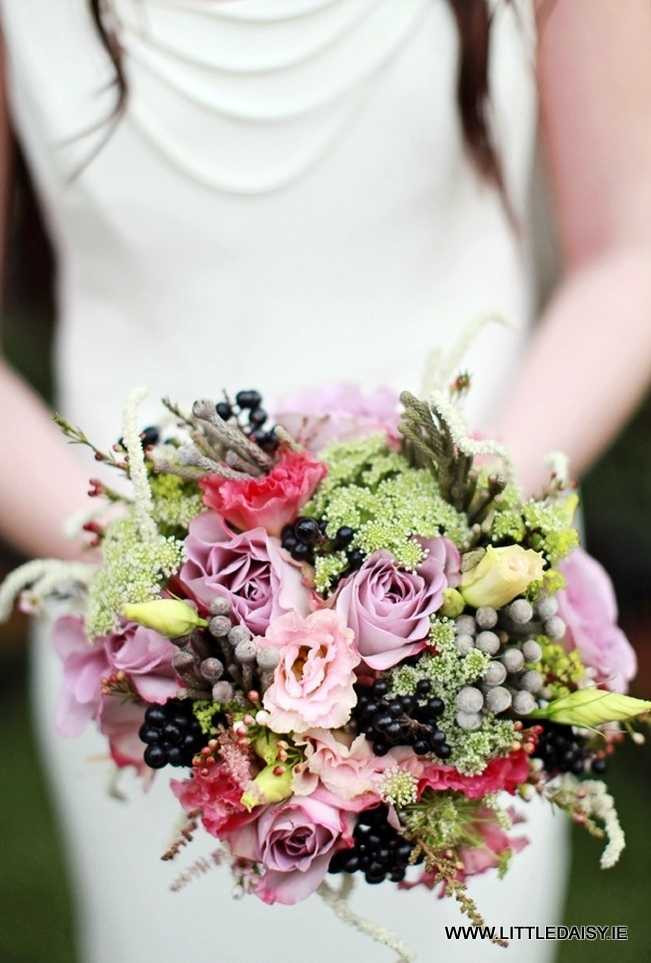winter brides bouquet