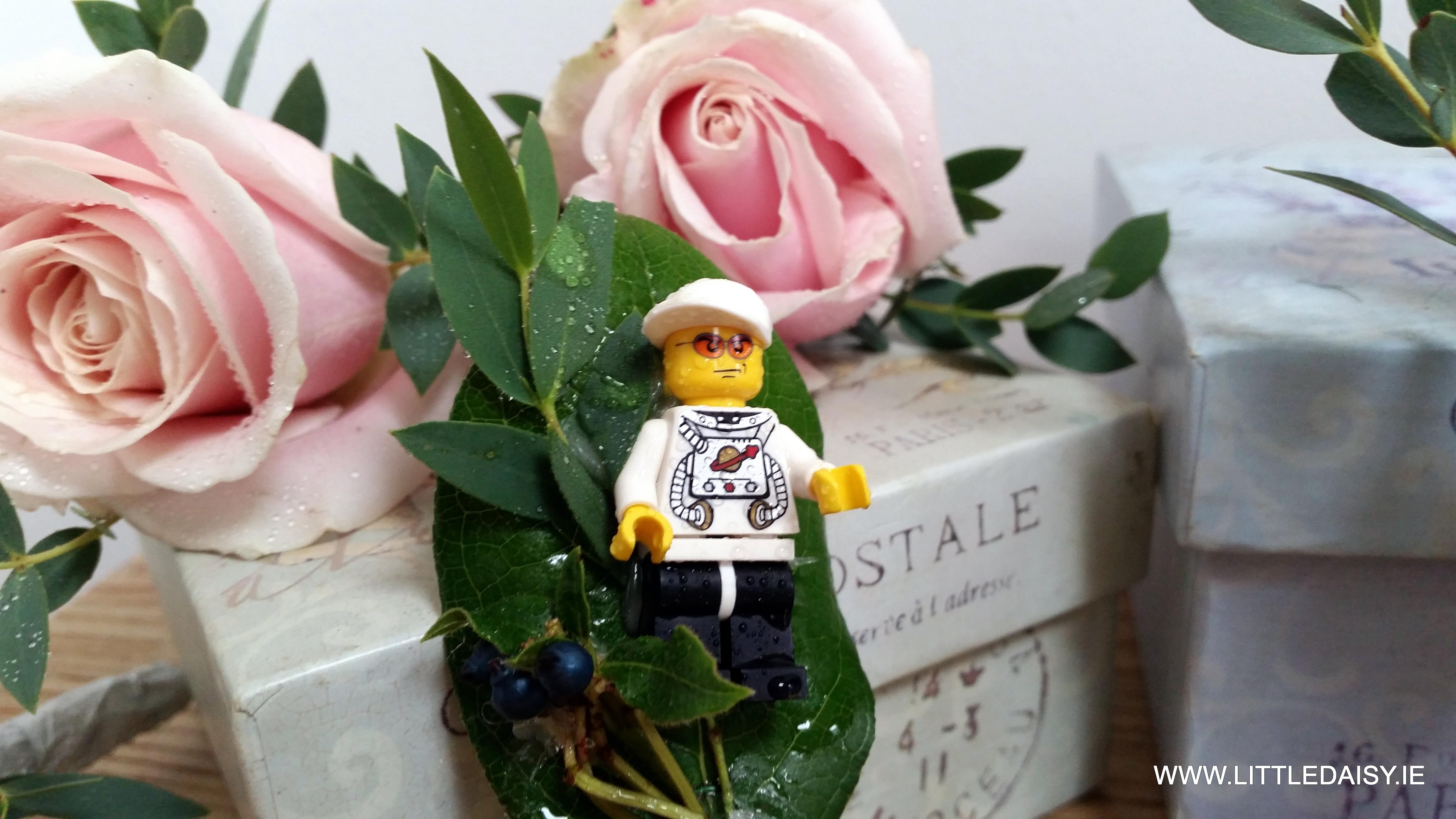 Legoman buttonaire