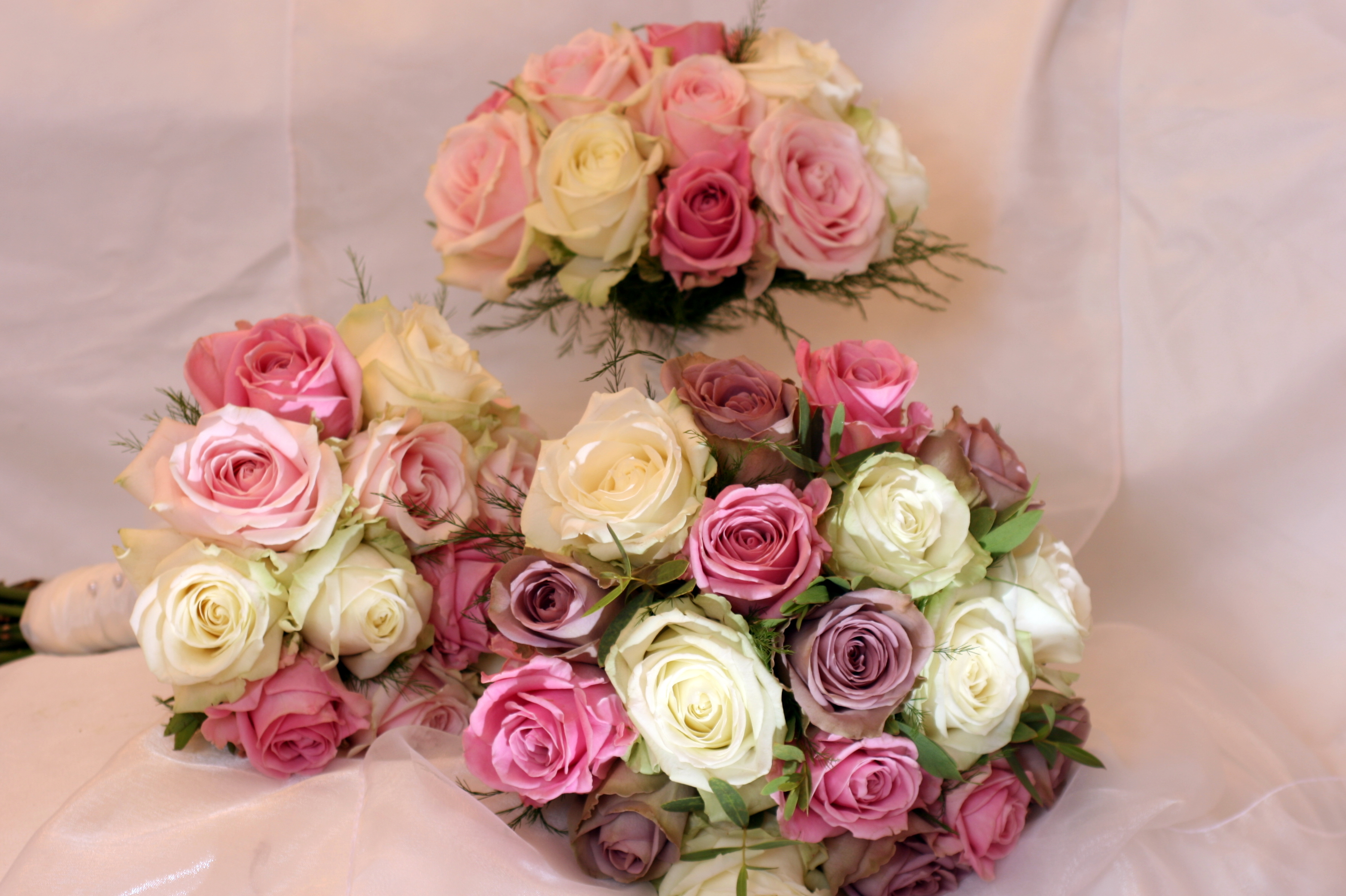 Brides and bridesmaid flowers