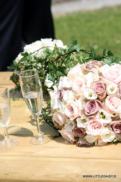 Vintage rose and pale pink roses