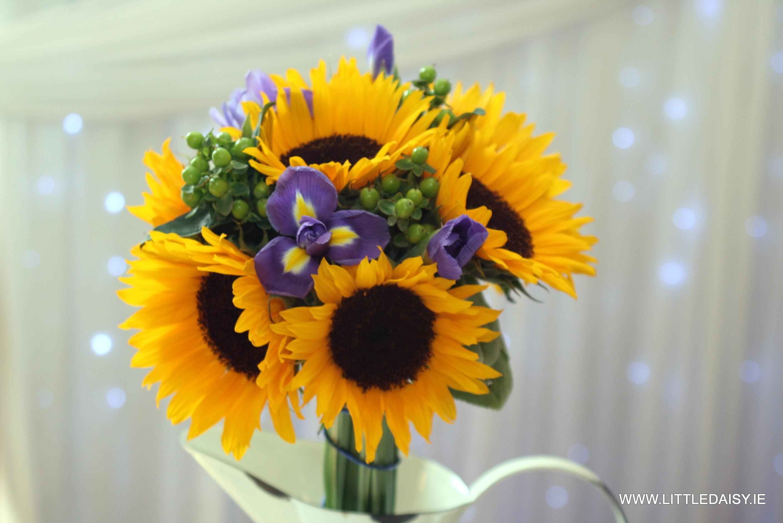 vibriant bridal flowers
