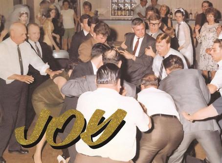 """""""Joy as an Act of Resistance"""" de Idles: el punk de hoy le pertenece a un inmigrante gay."""