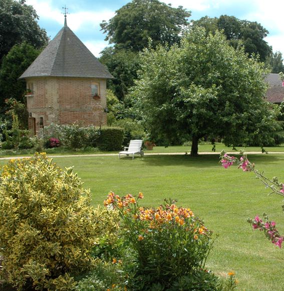 jardin et pigeonnier de la ferme andelys