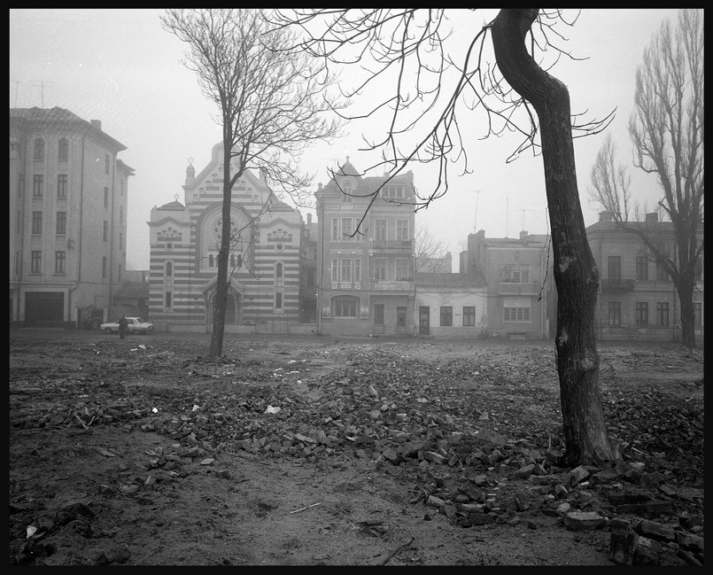 Destruction of the center of Bucharest to make way for the Avenue for the Victory of Socialism.