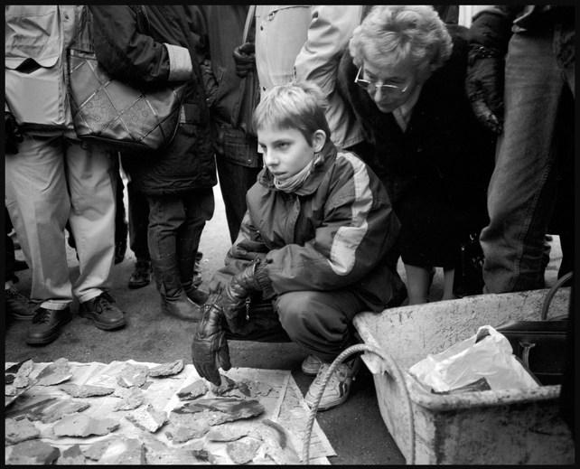Wall seller, Berlin. November, 1989.