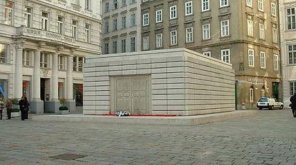 2039461879_judenplatz1-smaller.jpg