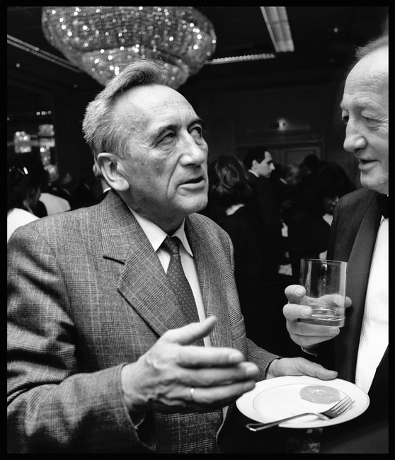 The first non-Communist Prime Minister, Tadeusz Mazowiecki, at Kohl's reception, Warsaw. November, 1989.