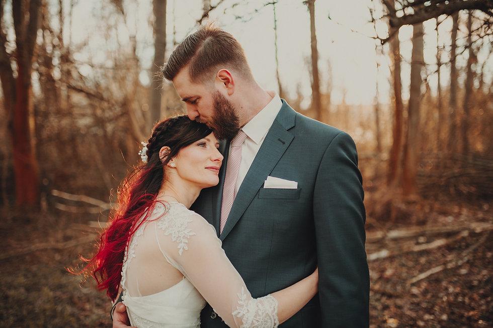 Brautpaar Kuscheln