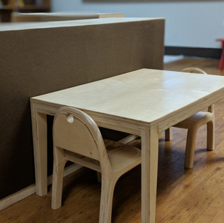 Montessori. Toddler. Table.