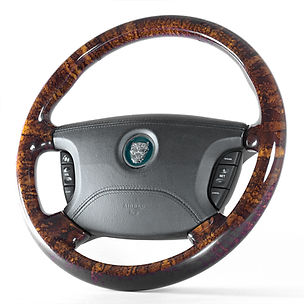 Jaguar-S-type-steering-wheel-angle.jpg
