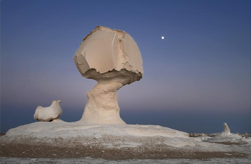 white desert egypt, farafra egypt, sunset in the white desert, sahara desert egypt, best views in egypt