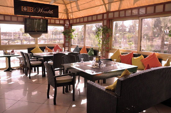 Carlo's. 7 Nile-Side Restaurants To Take Foreign Friends To Now That Sequoia's Closed