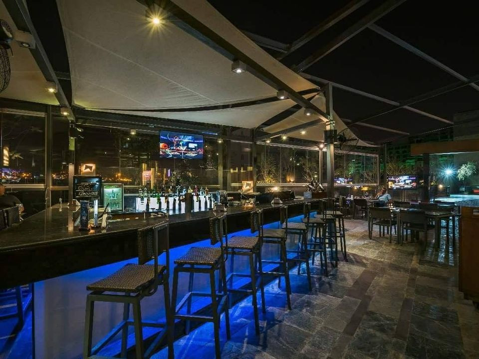 Carlo's. Best Bars, Pubs and Restobars in 6 October, Cairo