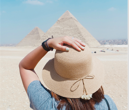 What To Wear If You're A Woman Visiting Egypt: Essential Clothes & Packing List