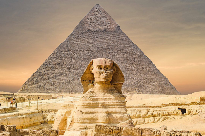 Pyramids and sphinx. 2 Weeks in Egypt: The Ultimate Local Itinerary