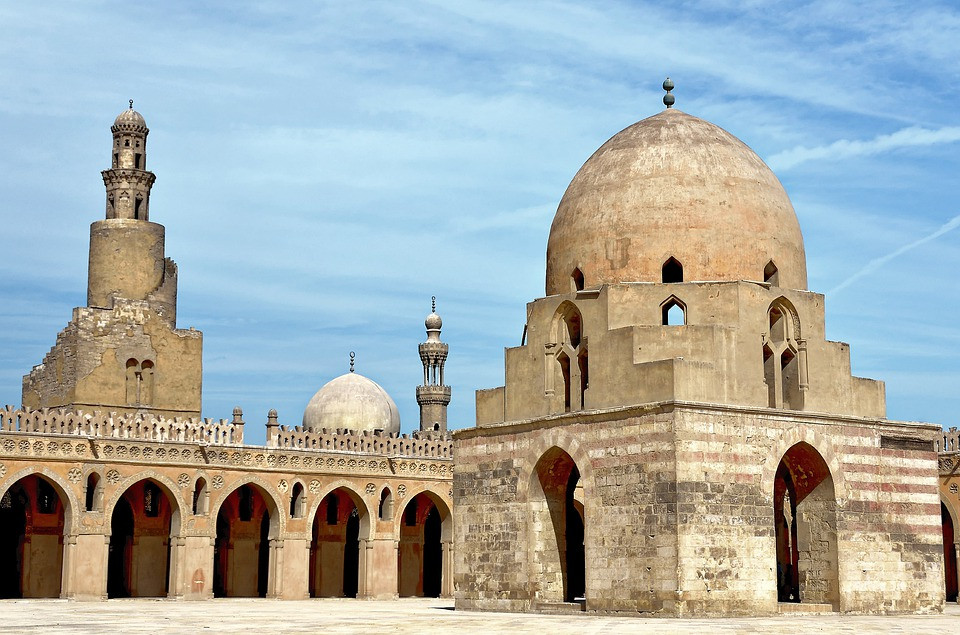 ibn tulun. 10 Most Beautiful Mosques in Egypt