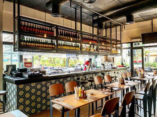 Gigi Burger Bar. Best Bars, Pubs and Restobars in 6 October, Cairo