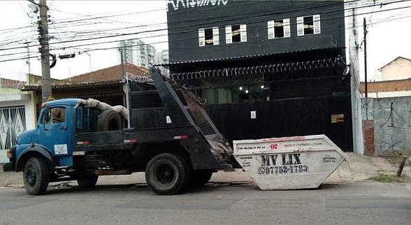 Caminhão MV LIX Caçambas Osasco