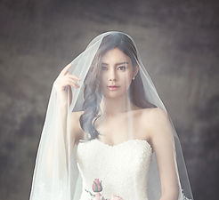 woman-in-white-strapless-sweetheart-wedd