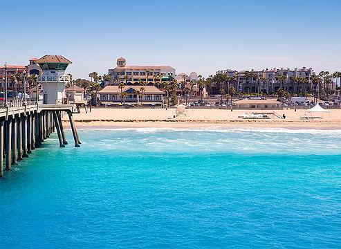 huntington-beach-surf-city-usa-pier-with