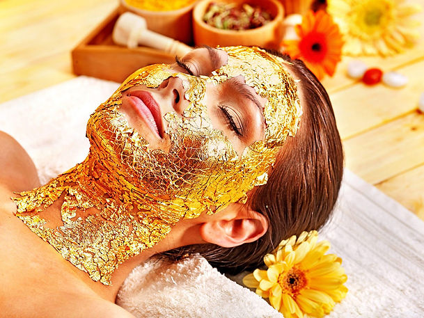 gold-facial-mask-agnes-beauty-wellness.j