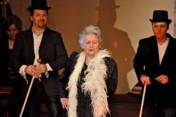 """Miss Jane Harrows in """"Die Reicheprüfung"""""""