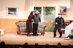"""Louie de Pinna und Officer Potts in """"der Pavillion"""""""