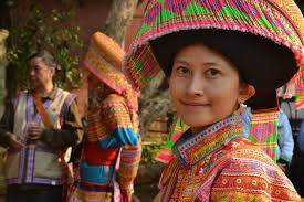Visit dazzling Hill Tribes of N. Thaialnds