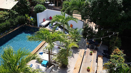 pool-babyelephant-1.jpg