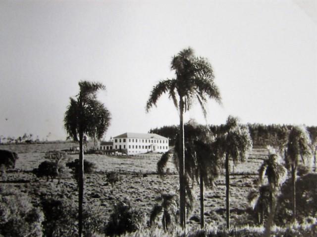 Vista da Abadia de Itatinga da estrada