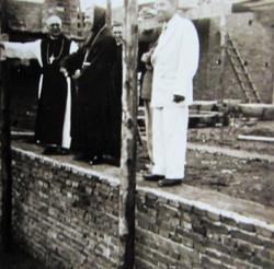 D. Henrique Golland visitando as obras da Abadia de Itatinga