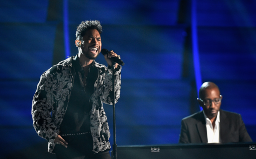 Miguel Pays Tribute To The Legendary Micheal Jackson At The 2016 Grammy Awards