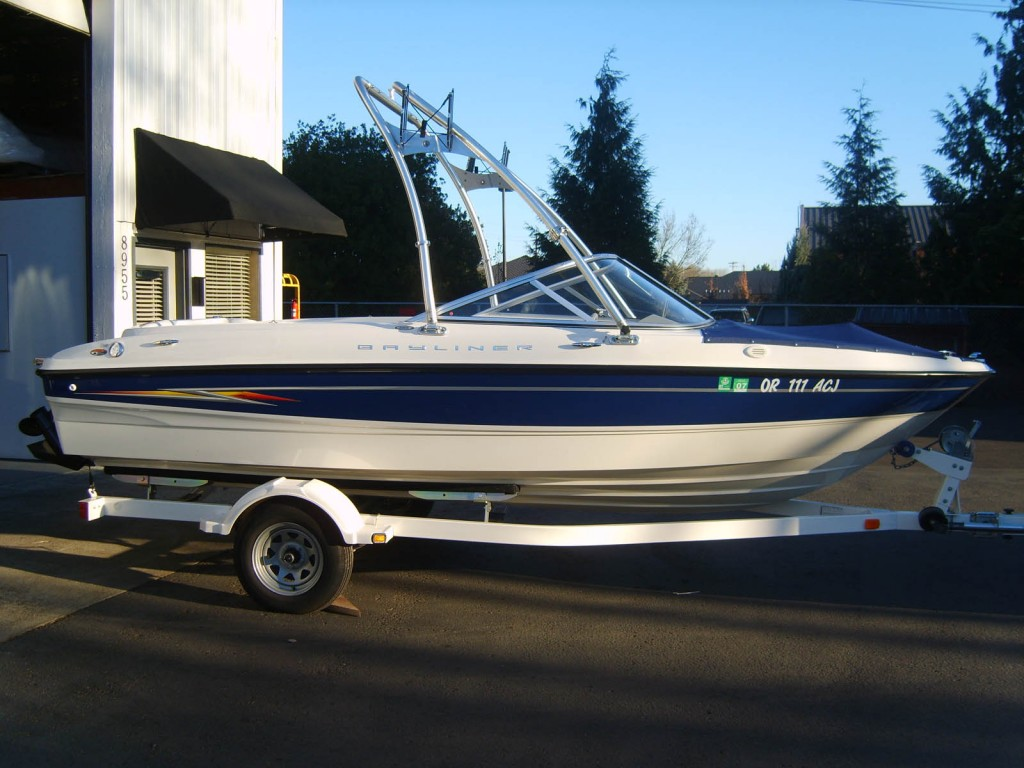 barewest-bayliner-t4-ski-tower-side
