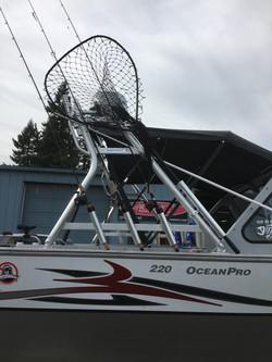 T7_HewesCraft_OceanPro220_Radar_ExtraBar_14