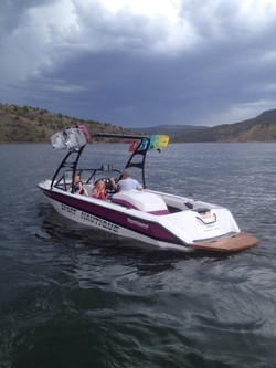 barewest-nautique-T5-on-the-water