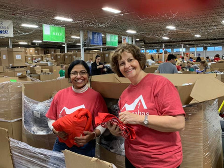 Open Yourself to the World: Volunteer at Matthew25:Ministries