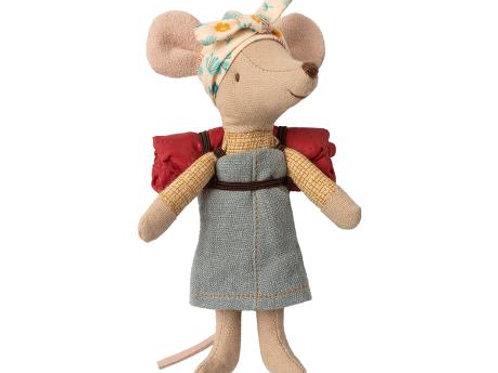 Big Sister hiker mouse with sleeping bag (no box)