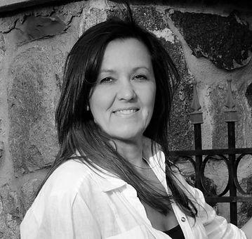 Rev. Lora Nedkov, ACIM Coach & Spiritual Intuitive