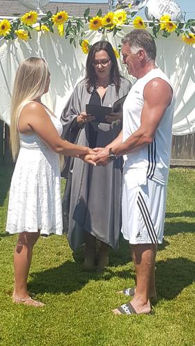 Backyard wedding in Thorold