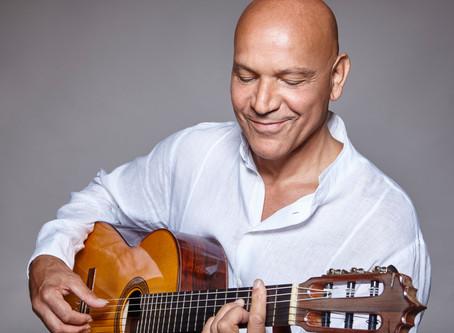 L'artiste des musiques du monde Gerard Edery en concert à Paris