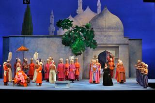 Met Music Director James Levine Leads a Rare Revival of Mozart's Die Entführung aus dem Serail, The