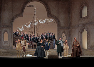Metropolitan Opera: Music Director Emeritus James Levine Conducts a Revival of L'Italiana in Algeri