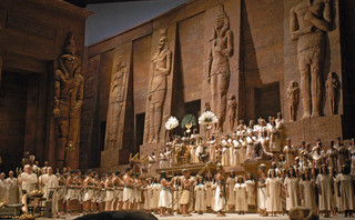 The Met's Grand Production of Verdi's Aida Returns