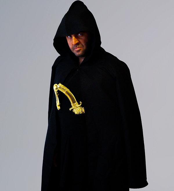 David Serero as Othello cape 2 L.jpg