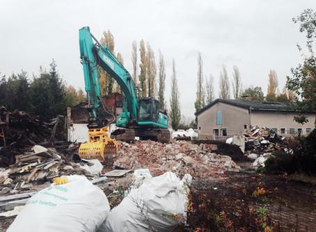 Rückbau der ehemaligen Stallungen ist gestartet!