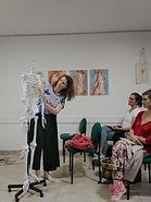 Natalia dando clase.jpg