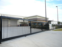 Electric sliding gate