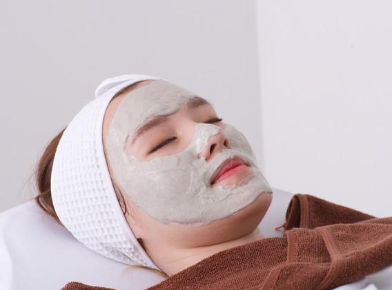 Aki clinic Tea tree oil mask.jpg
