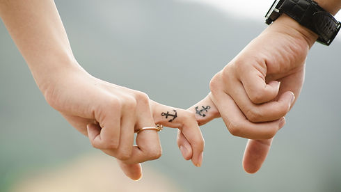 romantic-anchor-hands-couple-wallpaper-0