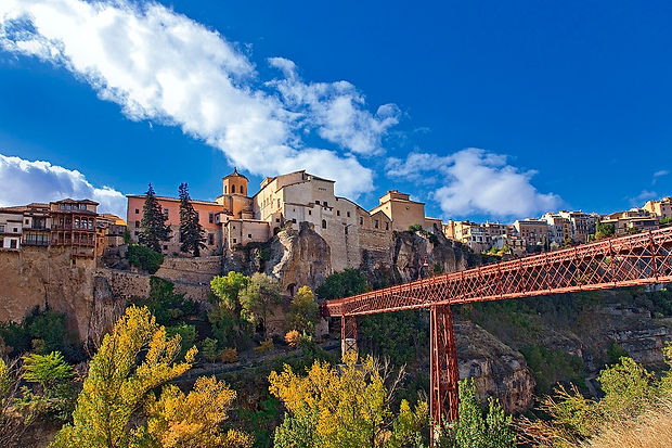1080px-Cuenca._ST._Paul's_Bridge._Castil